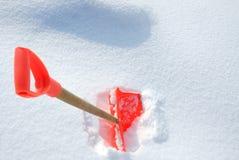 Pala de la nieve imagen de archivo libre de regalías