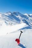 Pala della valanga nella neve Fotografia Stock Libera da Diritti