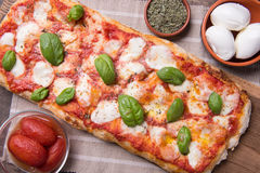 Pala romana pizza Royalty Free Stock Photos