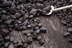 Pala y carbón Foto de archivo libre de regalías
