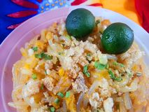 palabok - um prato filipino nativo fotografia de stock royalty free