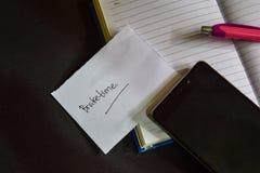 Palabra de Braketime escrita en el papel Texto en el libro de trabajo, concepto negro de Braketime del fondo fotos de archivo