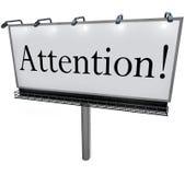 Palabra de la atención en mensaje urgente del aviso especial de la cartelera stock de ilustración