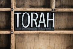 Palabra de la prensa de copiar del metal del concepto de Torah en cajón fotografía de archivo libre de regalías