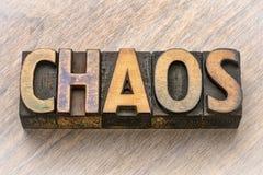 Palabra del caos en el tipo de madera fotografía de archivo libre de regalías