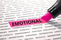 Palabra emocional destacada con el marcador en el papel imagen de archivo
