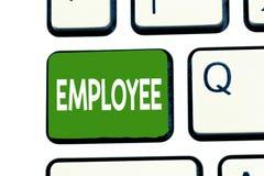 Palabra que escribe al empleado del texto El concepto del negocio para demostrar empleada para los salarios remunera especialment foto de archivo