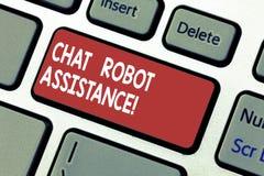 Palabra que escribe ayuda del robot de la charla del texto El concepto del negocio para los servicios de atención al cliente de l imágenes de archivo libres de regalías