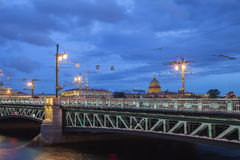 Palace Bridge and Saint Isaac's Cathedral at night, St. Petersbu Royalty Free Stock Photos