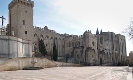 Palace de papa en Avignon: la fachada meridional Fotos de archivo