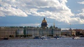 Palace Embankment in Saint-Petersburg Royalty Free Stock Photos