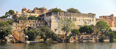 Palace and lake in Udaipur India Stock Photography