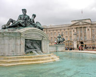 Palace and Statues Royalty Free Stock Photo