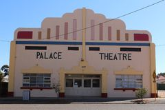 Palace theatre in Kalgorlie. Mining town in the Western Australian outback. Kalgoorlie, part of the City of Kalgoorlie-Boulder, is a city in the Goldfields Stock Image