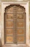 Palacio adornado de la ciudad de Jaipur de la puerta Foto de archivo
