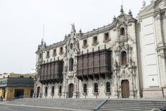 Palacio arzobispal de lima, plaza de armas, lima Peru royaltyfri foto
