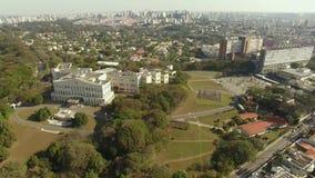Palacio de Bandeirantes, gobierno del estado de Sao Paulo en la vecindad de Morumbi, el Brasil almacen de video