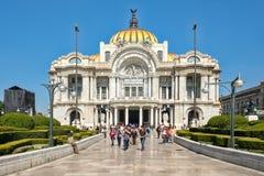 Palacio de Bellas Artes, ένα διάσημοι γκαλερί τέχνης, ένας τόπος συναντήσεως μουσικής και ένα θέατρο στην Πόλη του Μεξικού Στοκ Εικόνες
