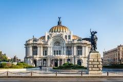 Palacio de Bellas Artes konstslott - Mexico - stad, Mexico Fotografering för Bildbyråer