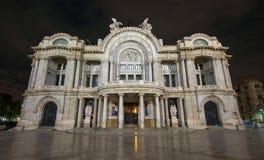 Palacio De Bellas Artes - pałac sztuki piękna, noc fotografia stock