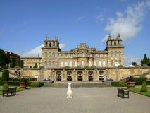 Palacio de Blenheim. Fachada y fuente del oeste. Imagen de archivo