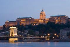 Palacio de Buda y puente de cadena imágenes de archivo libres de regalías