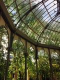 Palacio de Cristal (кристаллический дворец) в парке Мадриде Испании retiro Стоковое фото RF