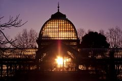 Palacio DE Cristal in Retiro stadspark, Madrid Stock Foto's