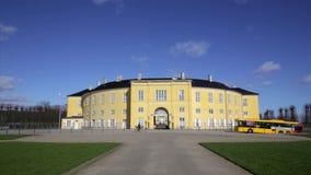 Palacio de Frederiksberg en un día soleado metrajes