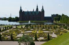 Palacio de Frederiksborg y jardín de Barok Fotos de archivo libres de regalías