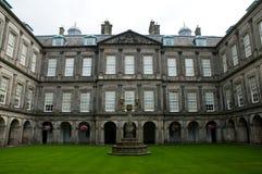 Palacio de Holyrood Fotos de archivo libres de regalías