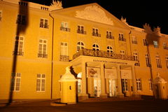 Palacio de Karlsruhe en la noche Fotografía de archivo