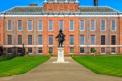 Palacio de Kensington en Londres Foto de archivo