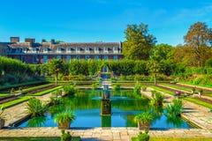 Palacio de Kensington en Londres Foto de archivo libre de regalías