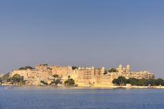 Palacio de la ciudad en Udaipur la India Foto de archivo libre de regalías