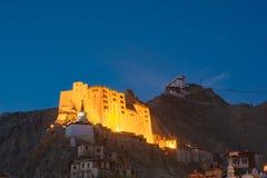 Palacio de Leh con el cielo de la oscuridad Imagen de archivo libre de regalías