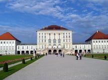 Palacio de Nymphenburg (Munchen) y parque agradable Imagen de archivo libre de regalías