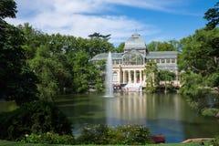 Palacio de parkerar den cristal crystal slotten i Buen Retiro - Madrid Fotografering för Bildbyråer