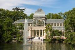 Palacio de parkerar den cristal crystal slotten i Buen Retiro - Madrid Royaltyfria Bilder