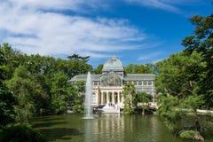Palacio de parkerar den cristal crystal slotten i Buen Retiro - Madrid Royaltyfri Fotografi