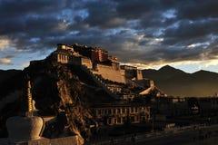 Palacio de Potala por la mañana Imagen de archivo libre de regalías