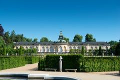 Palacio de Sanssouci y viñedo colgante imagen de archivo