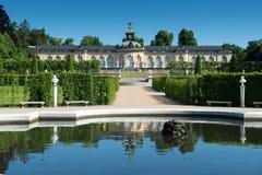 Palacio de Sanssouci y viñedo colgante imagenes de archivo
