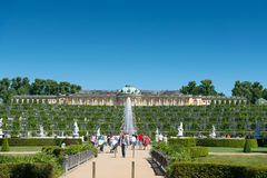 Palacio de Sanssouci y viñedo colgante fotografía de archivo