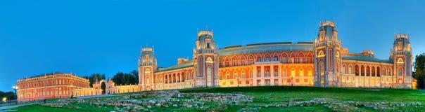 Palacio de Tsaritsino en la noche Imagen de archivo libre de regalías