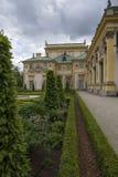 Palacio de Wilanow con el jardín Fotos de archivo libres de regalías