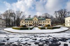 palacio del Barroco-clasicista de la familia de Mieroszewski imágenes de archivo libres de regalías