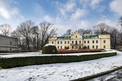 palacio del Barroco-clasicista de la familia de Mieroszewski imagen de archivo libre de regalías