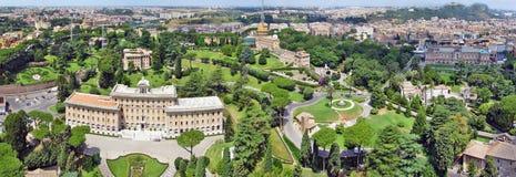 Palacio del Governorate del Vaticano y de los jardines del Vaticano Foto de archivo libre de regalías