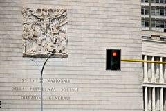 Palacio del INPS en Roma EUR, v?a Ciro IL grande imagenes de archivo